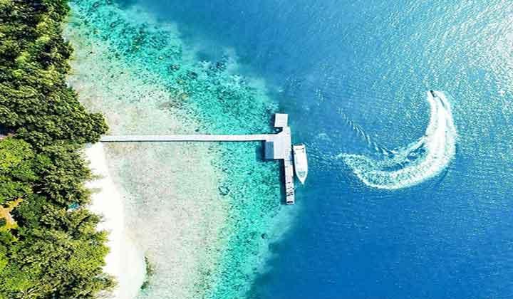 pantai pulau bira