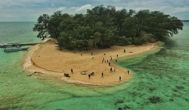 camping di Pulau Perak